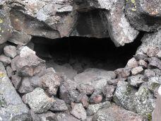 Captain Jack's Cave - Lava Beds